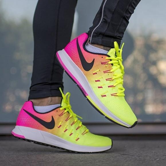 online store b8f40 ed95f Nike Air Zoom Pegasus 33 OC Running Shoes. M 5bc7d7105c4452a8deea49e2